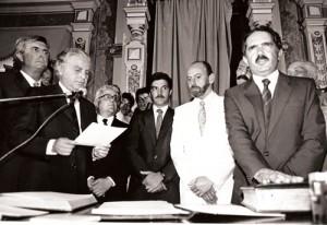 10-12-87 Jura como Ministro de Gobierno de la provincia de Bs As